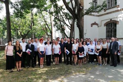 Az első érettségizett osztály a Szegedi Baptista Középiskolában
