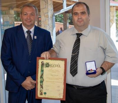 Tóth László igazgatóhelyettes tanár úr rangos elismerése