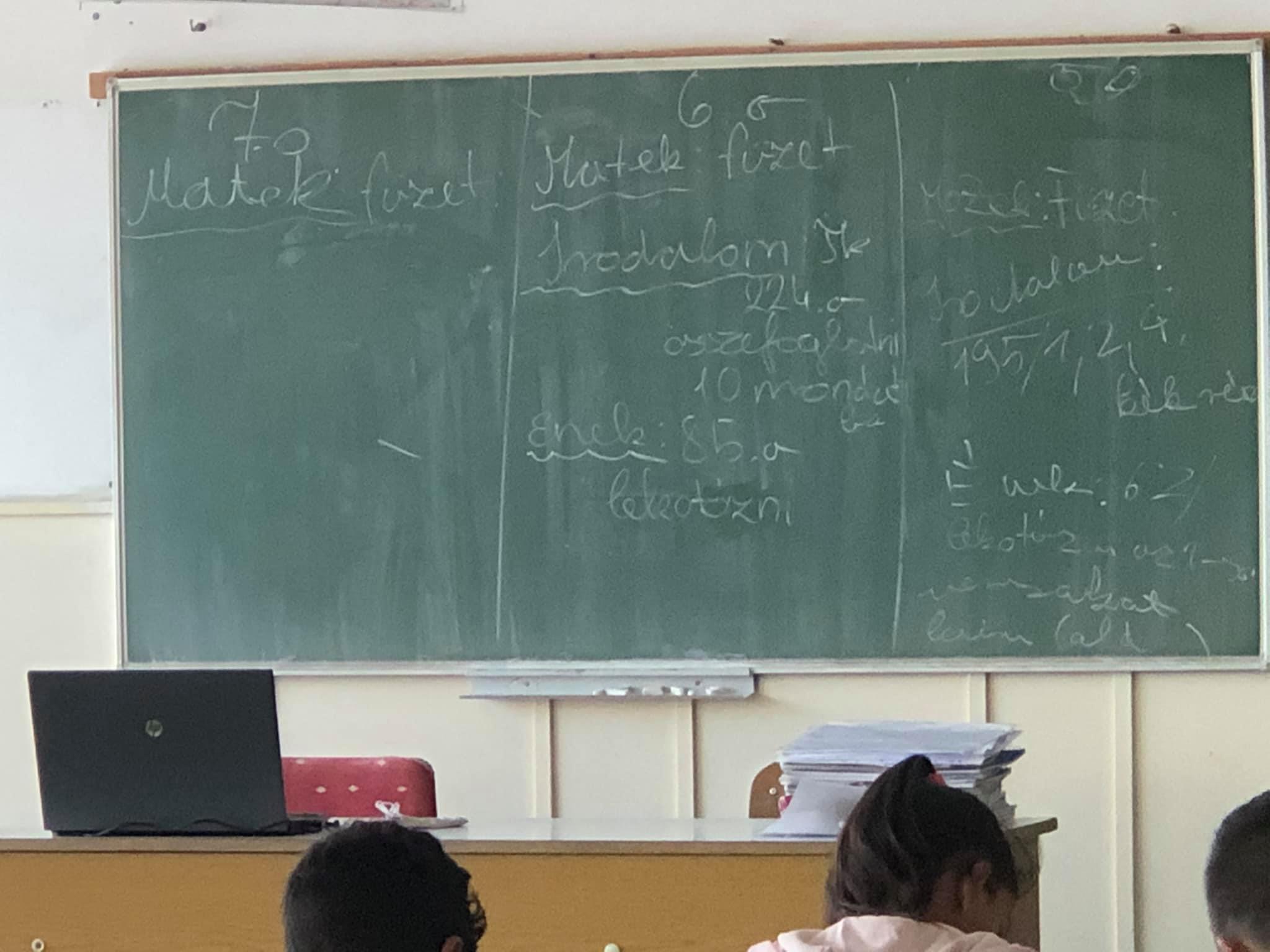 Tanulószoba.../Tanulmányi idő... Nevelő:Bernadett Gadzsa